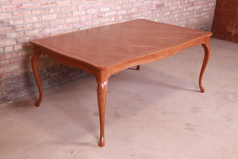 Baker Furniture French Provincial Louis XV Cherrywood Dining Table, Refinished For Sale 10