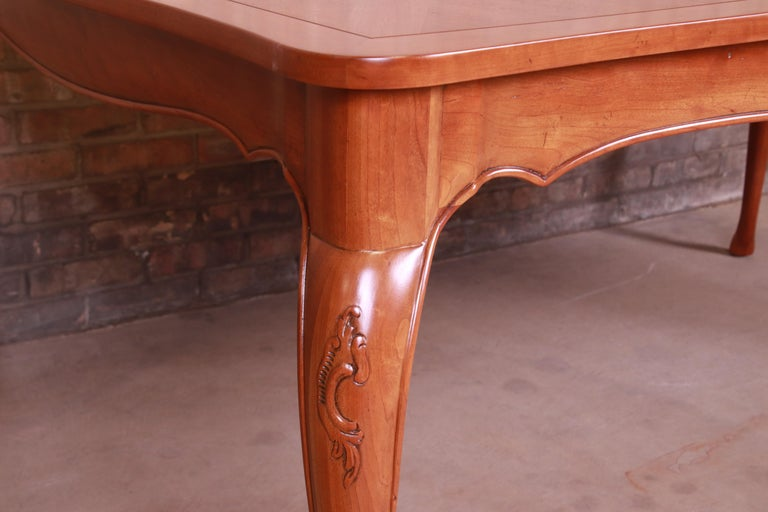 Baker Furniture French Provincial Louis XV Cherrywood Dining Table, Refinished For Sale 11