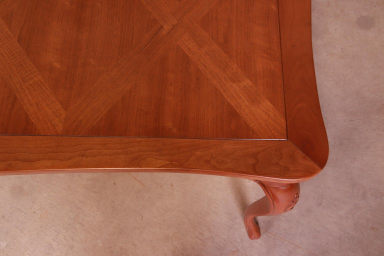 Baker Furniture French Provincial Louis XV Cherrywood Dining Table, Refinished For Sale 13