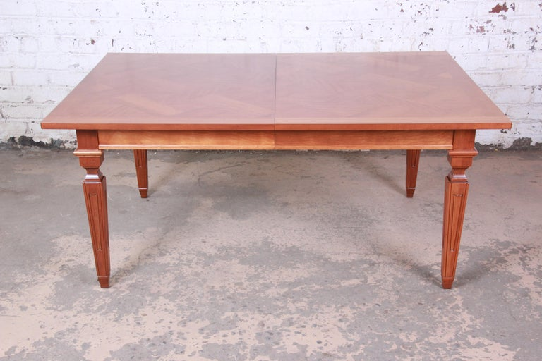 Baker Furniture French Regency Extension Dining Table In Good Condition For Sale In South Bend, IN
