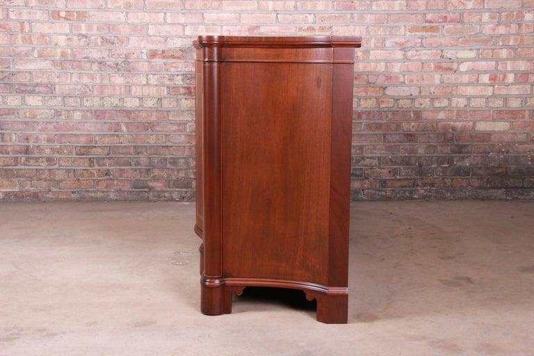 Baker Furniture Georgian Flame Mahogany Sideboard or Bar Cabinet, Newly Restored For Sale 10