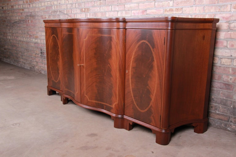 Baker Furniture Georgian Flame Mahogany Sideboard or Bar Cabinet, Newly Restored In Good Condition For Sale In South Bend, IN