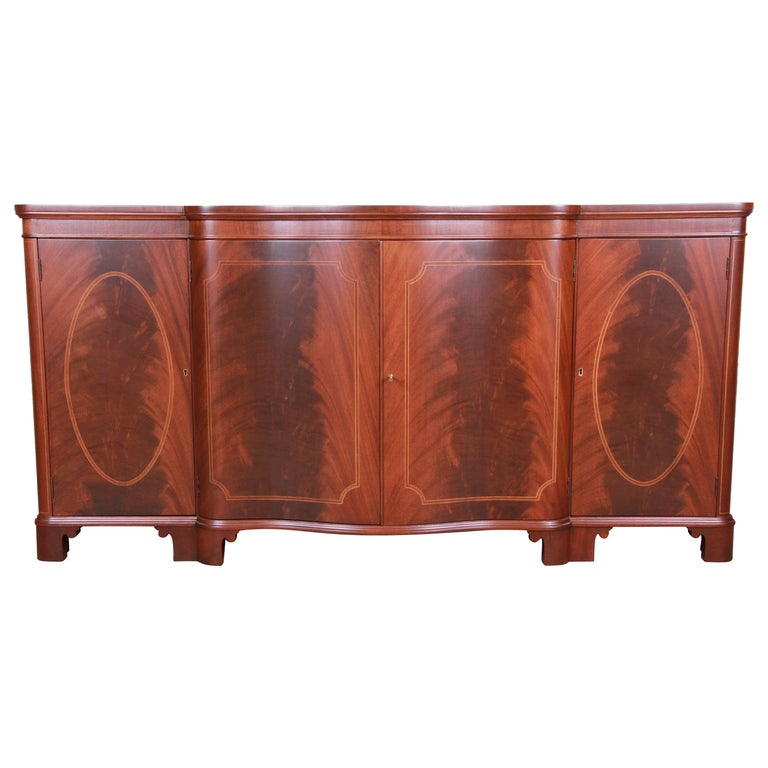 Baker Furniture Georgian Flame Mahogany Sideboard or Bar Cabinet, Newly Restored For Sale