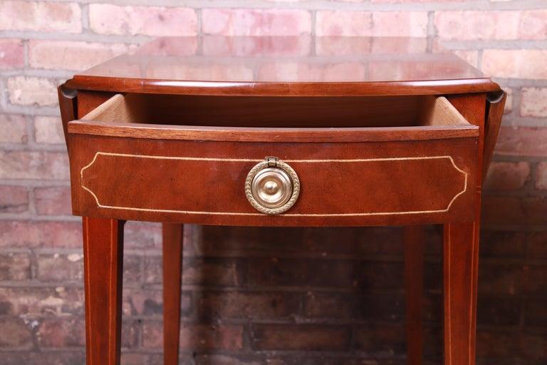 Baker Furniture Historic Charleston Mahogany Pembroke Tea Tables, Pair For Sale 3