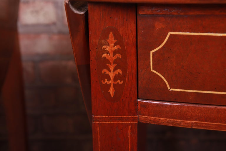 Baker Furniture Historic Charleston Mahogany Pembroke Tea Tables, Pair For Sale 5