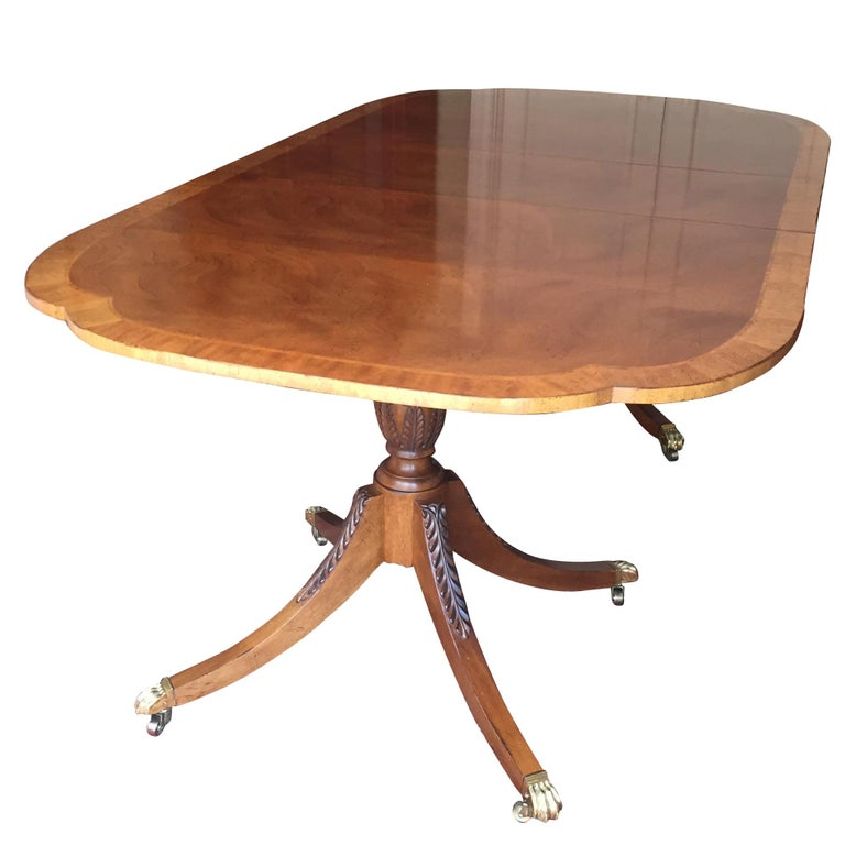 Baker Furniture Historical Charleston Mahogany Pedestal Dining Table For