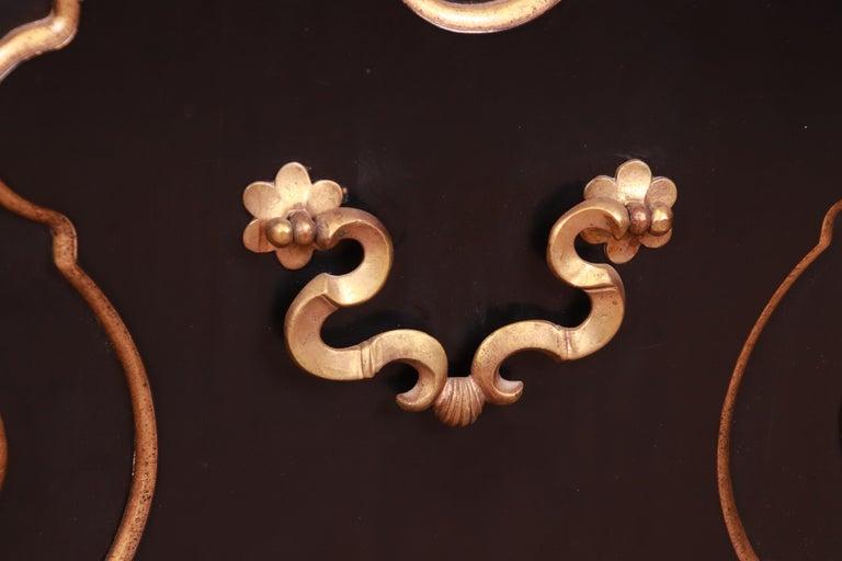 Baker Furniture Hollywood Regency Chinoiserie Sideboard Credenza or Bar Cabinet For Sale 4