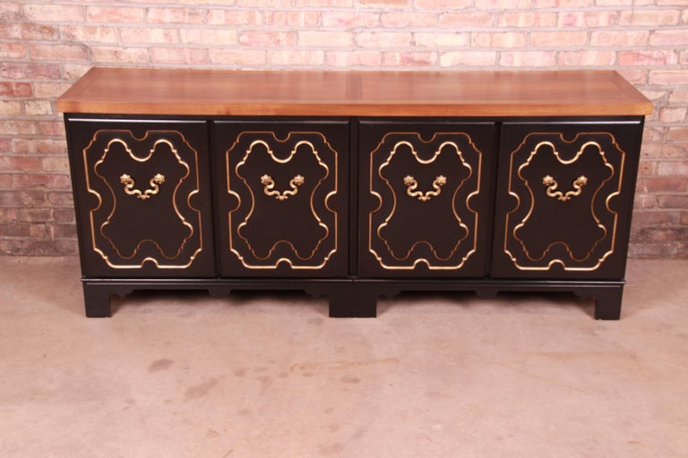 Mid-Century Modern Baker Furniture Hollywood Regency Chinoiserie Sideboard Credenza or Bar Cabinet For Sale
