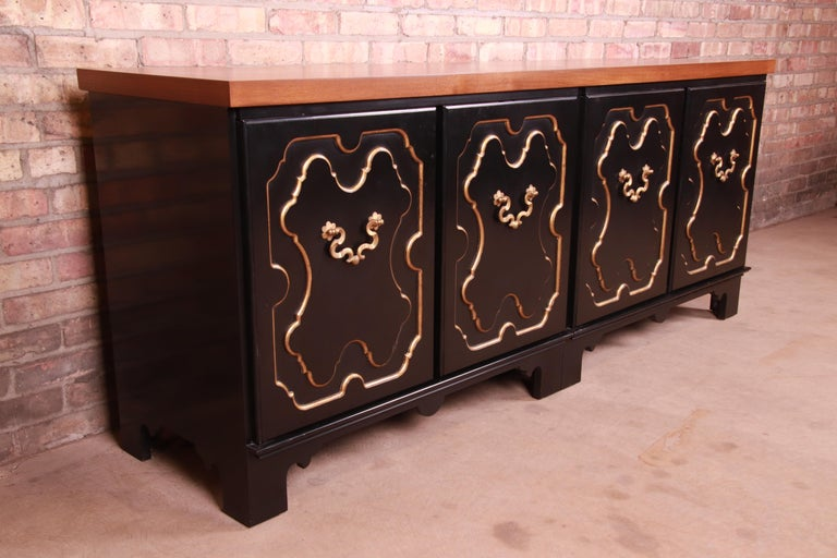 Baker Furniture Hollywood Regency Chinoiserie Sideboard Credenza or Bar Cabinet In Good Condition For Sale In South Bend, IN