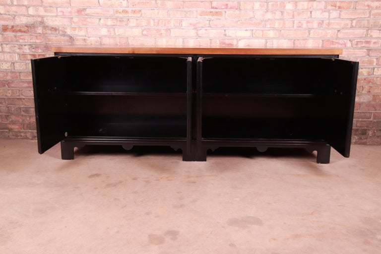 Mid-20th Century Baker Furniture Hollywood Regency Chinoiserie Sideboard Credenza or Bar Cabinet For Sale