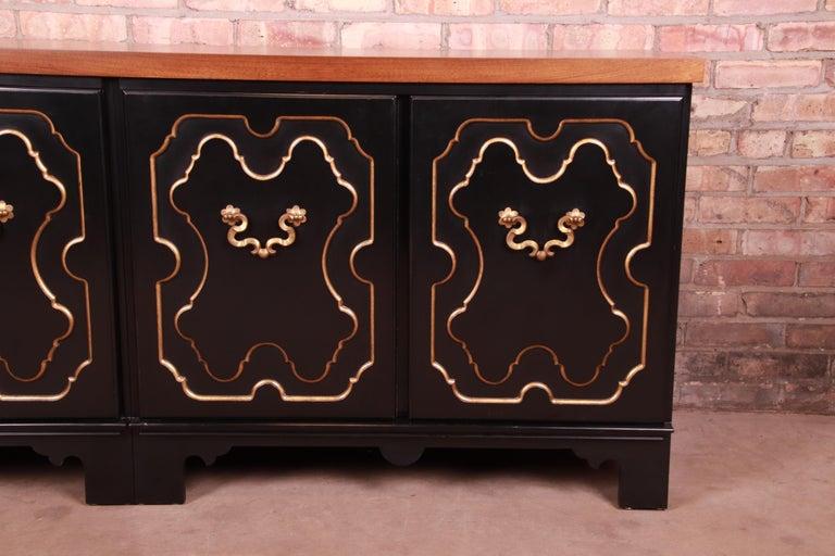 Baker Furniture Hollywood Regency Chinoiserie Sideboard Credenza or Bar Cabinet For Sale 2