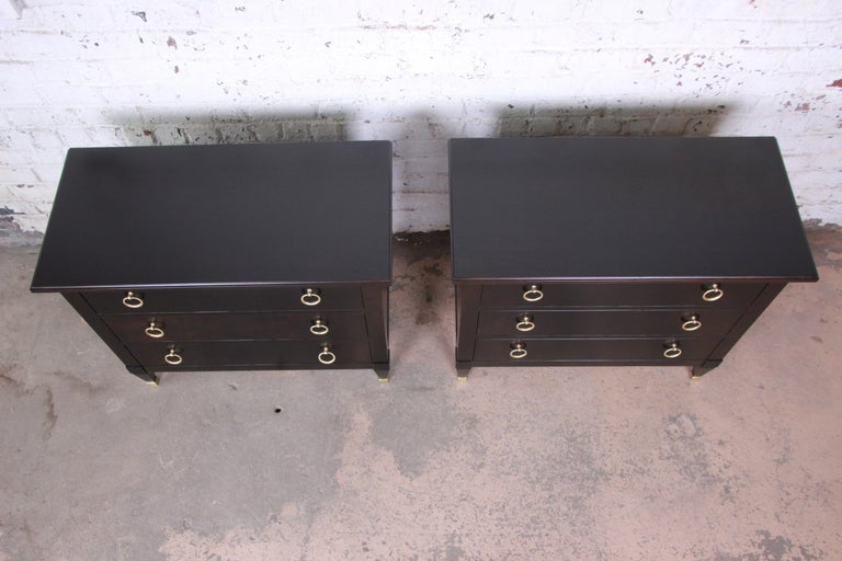 Mid-20th Century Baker Furniture Hollywood Regency Ebonized Nightstands or Bachelor Chests, Pair For Sale