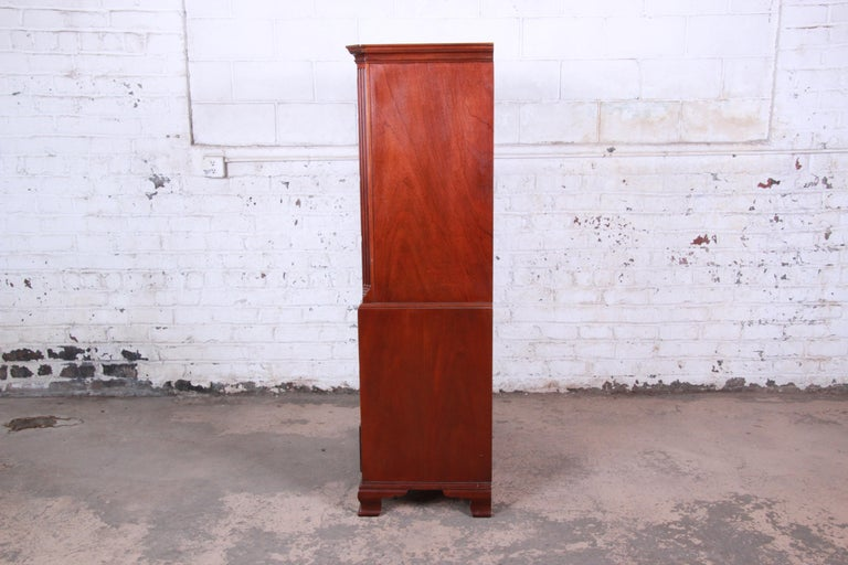 Baker Furniture Mahogany Chippendale Style Highboy Dresser For Sale 5