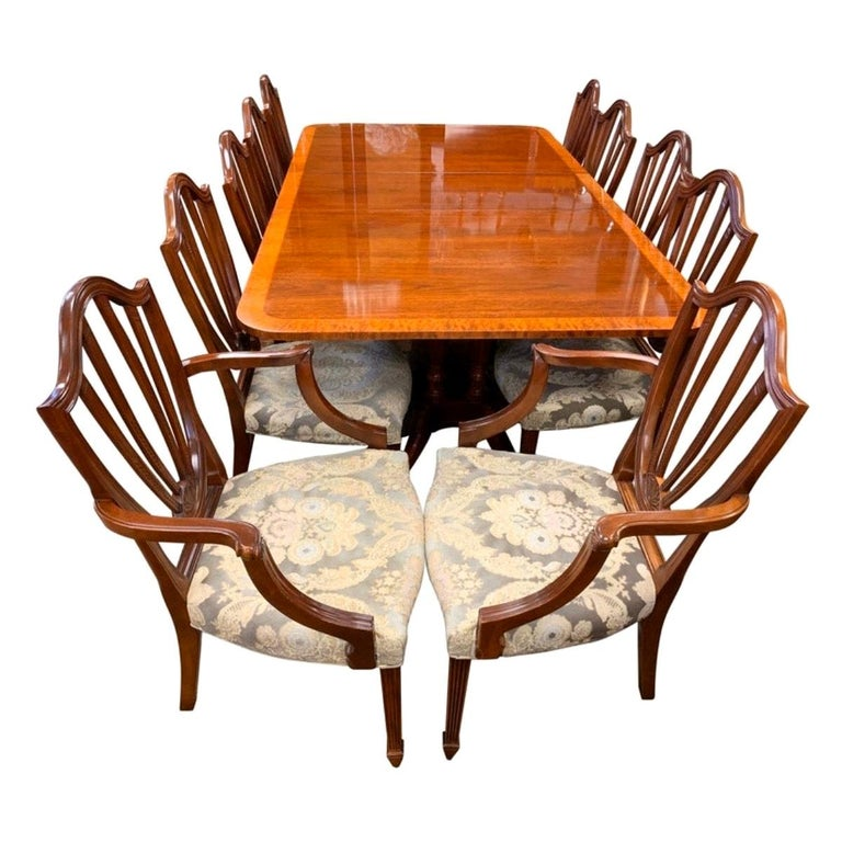 Baker Dining Room Table And Chairs 1 For Sale On 1stdibs