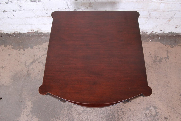 Baker Furniture Mahogany Occasional Table or Nightstand, circa 1950s In Good Condition For Sale In South Bend, IN