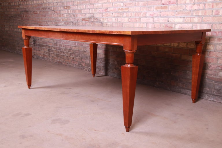 Baker Furniture Neoclassical Inlaid Cherry and Burl Wood Extension Dining Table In Good Condition For Sale In South Bend, IN