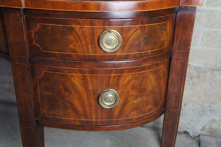 Baker Furniture Sheraton Style Mahogany Serpentine Sideboard Buffet Hepplewhite For Sale 7