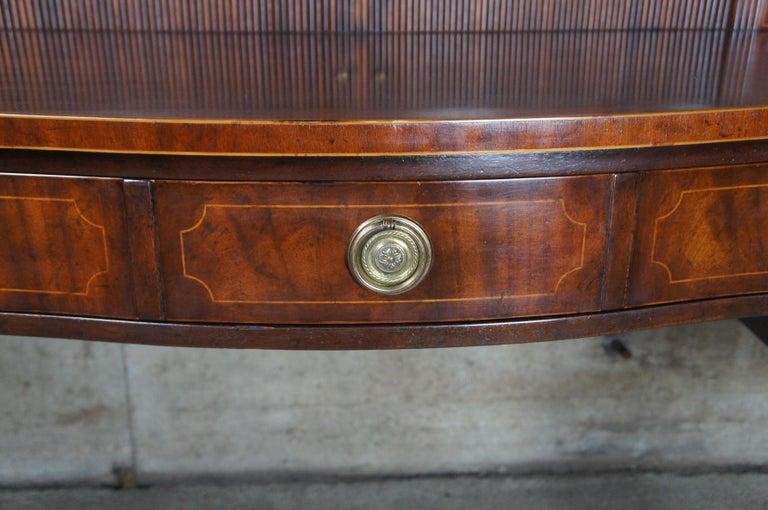 Baker Furniture Sheraton Style Mahogany Serpentine Sideboard Buffet Hepplewhite For Sale 2