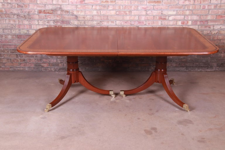 Baker Furniture Stately Homes Georgian Banded Mahogany Dining Table, Restored For Sale 3