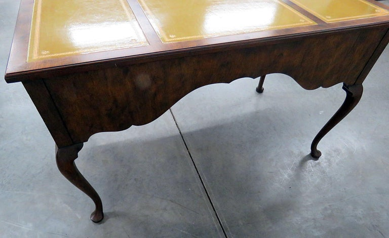 Queen Anne Desks 27 For Sale At 1stdibs >> Baker Queen Anne Style Leather Top Desk