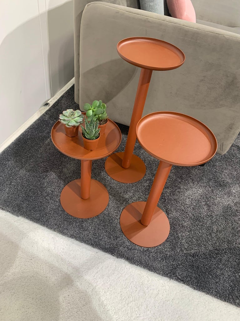 Balans Mini is a collection of refreshing platforms to present your beautiful plants and other small objects. Balans Mini is the newest addition to the highly successful Artifort Balans family by designer Khodi Feiz. Balans Mini Khodi Feiz design