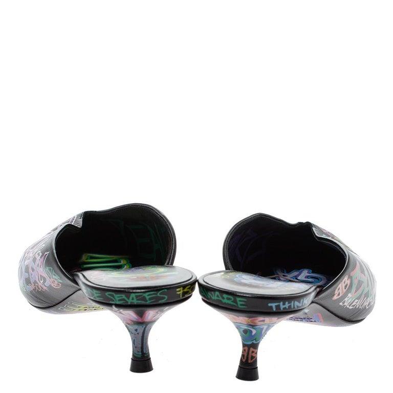 Balenciaga Black Graffiti Leather Knife Pointed Toe Mules Size 37 In New Condition For Sale In Dubai, Al Qouz 2