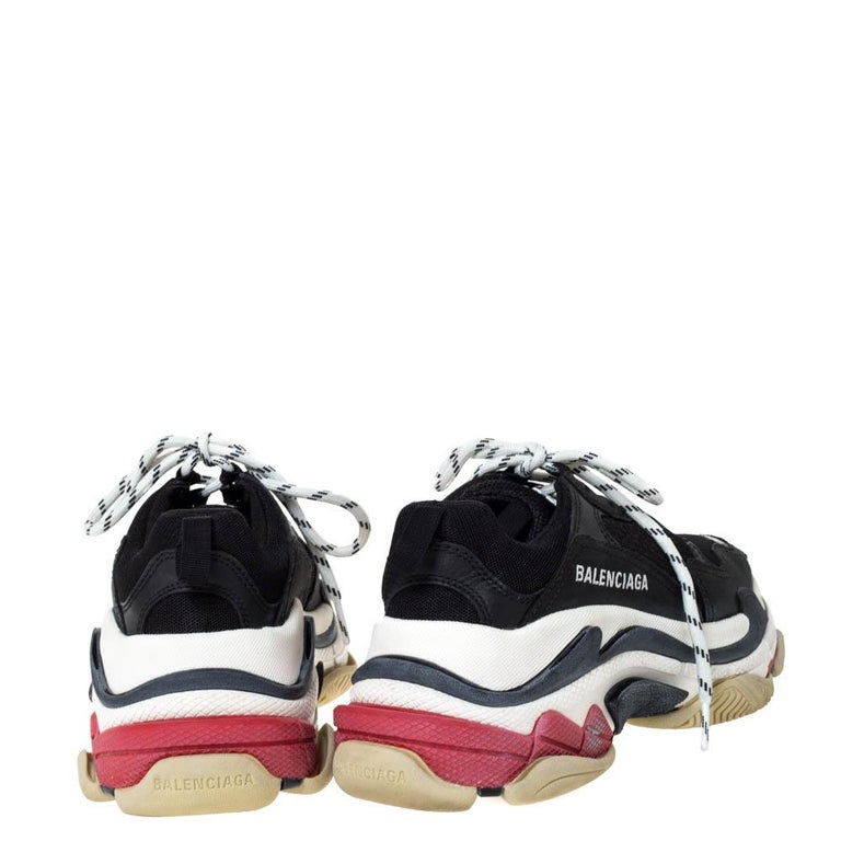 Women's Balenciaga Black Leather and Mesh Triple S Platform Sneakers Size 36 For Sale