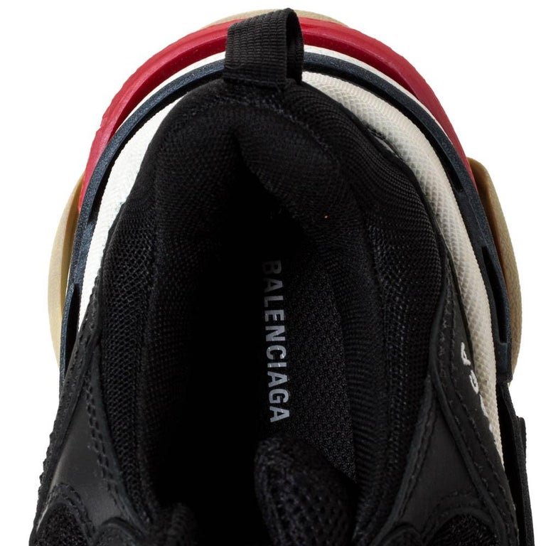 Balenciaga Black Leather and Mesh Triple S Platform Sneakers Size 36 For Sale 2