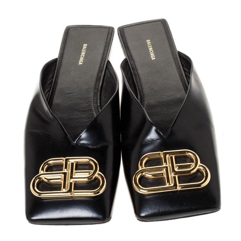 Balenciaga Black Leather Double Square BB Flat Mules Size 38 In Good Condition For Sale In Dubai, Al Qouz 2