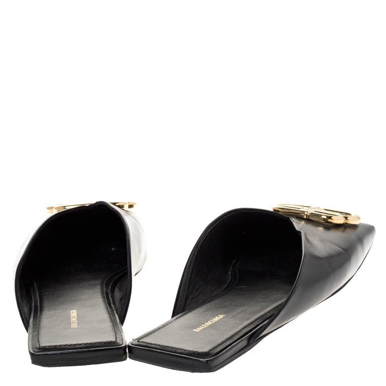 Women's Balenciaga Black Leather Double Square BB Flat Mules Size 38 For Sale