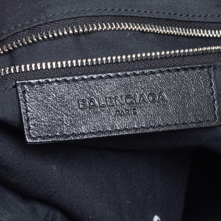 Balenciaga Black Leather RH Day Messenger Bag For Sale 6