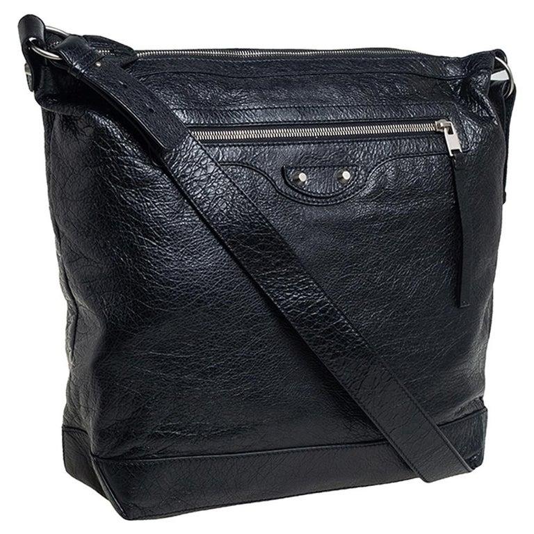 Men's Balenciaga Black Leather RH Day Messenger Bag For Sale