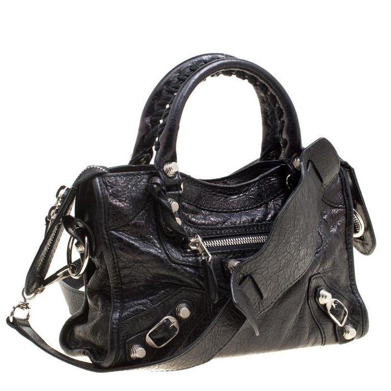 397169411e Balenciaga Black Leather Silver Hardware Mini City Bag In Good Condition  For Sale In Dubai,