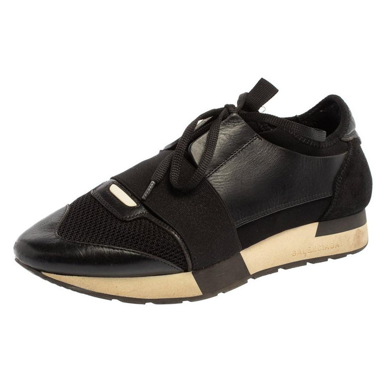 Balenciaga Black Mesh And Suede Leather Race Runner Low-Top Sneakers Size 39 For Sale