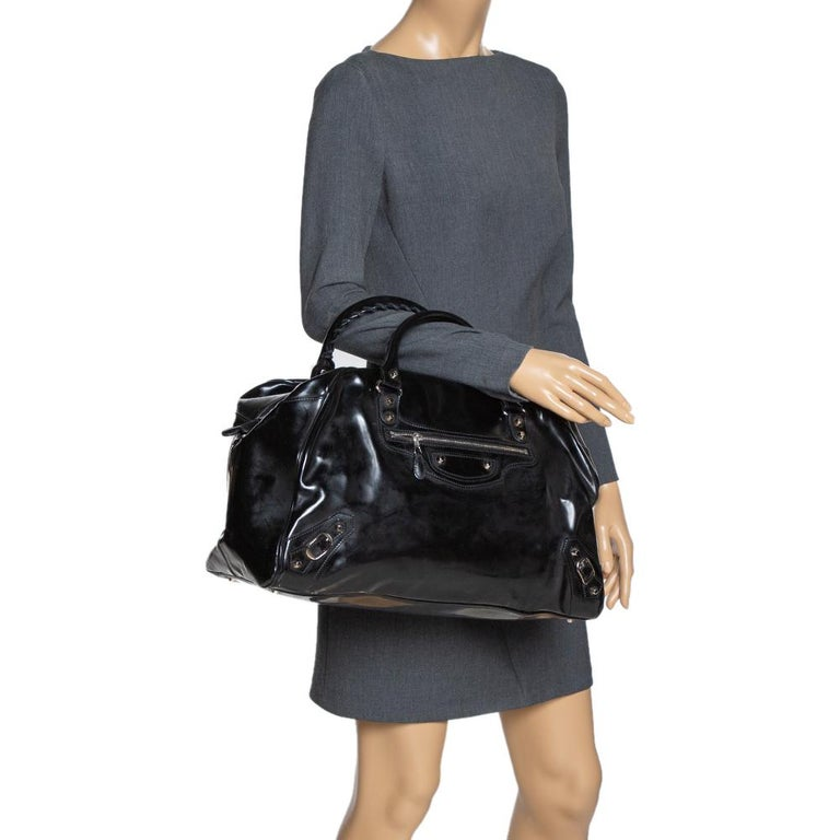 Balenciaga Black Patent Leather Bowling MM Bag In Good Condition For Sale In Dubai, Al Qouz 2