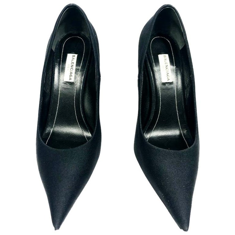 BALENCIAGA Black Spandex Pointed Toe Pump Heels Size 37.5 For Sale