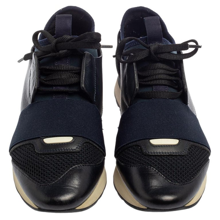 Balenciaga Blue/Black Mesh And Suede Leather Race Runner Low Top Sneakers Size 3 In Good Condition For Sale In Dubai, Al Qouz 2