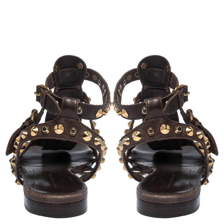 Balenciaga Brown Leather Studded Ankle Strap Flat Sandals Size 39.5 In Fair Condition For Sale In Dubai, Al Qouz 2