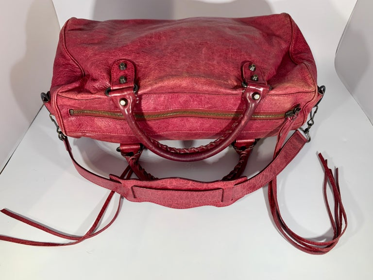 Balenciaga Hand Bag The Twiggy Reds Leather, Made in Italy, Shoulder Bag For Sale 5