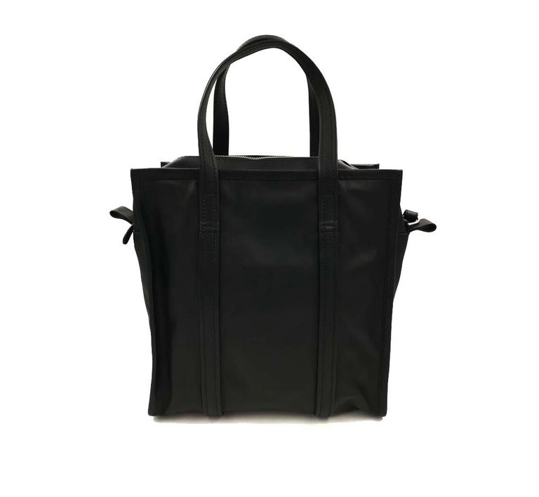Balenciaga Paris Genuine Leather Ladies Handbag 443096 DL10N 1000 In Excellent Condition For Sale In New York, NY