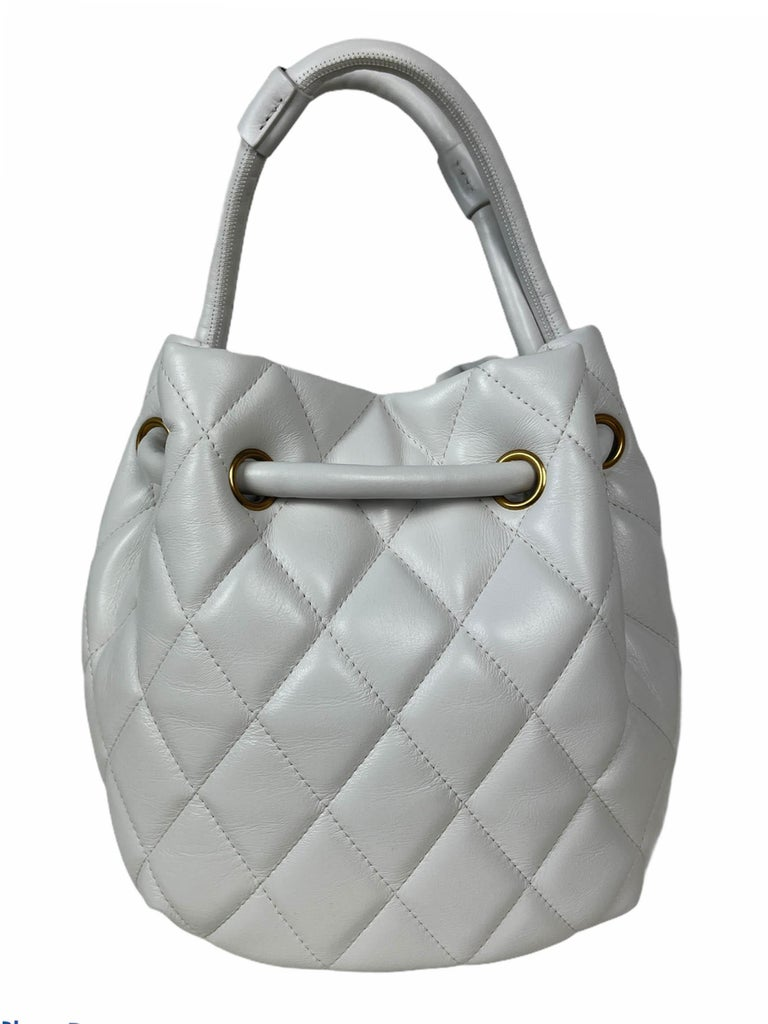 Balenciaga White Calfskin Leather B Dot Quilted Crossbody Bucket Bag In Excellent Condition For Sale In New York, NY