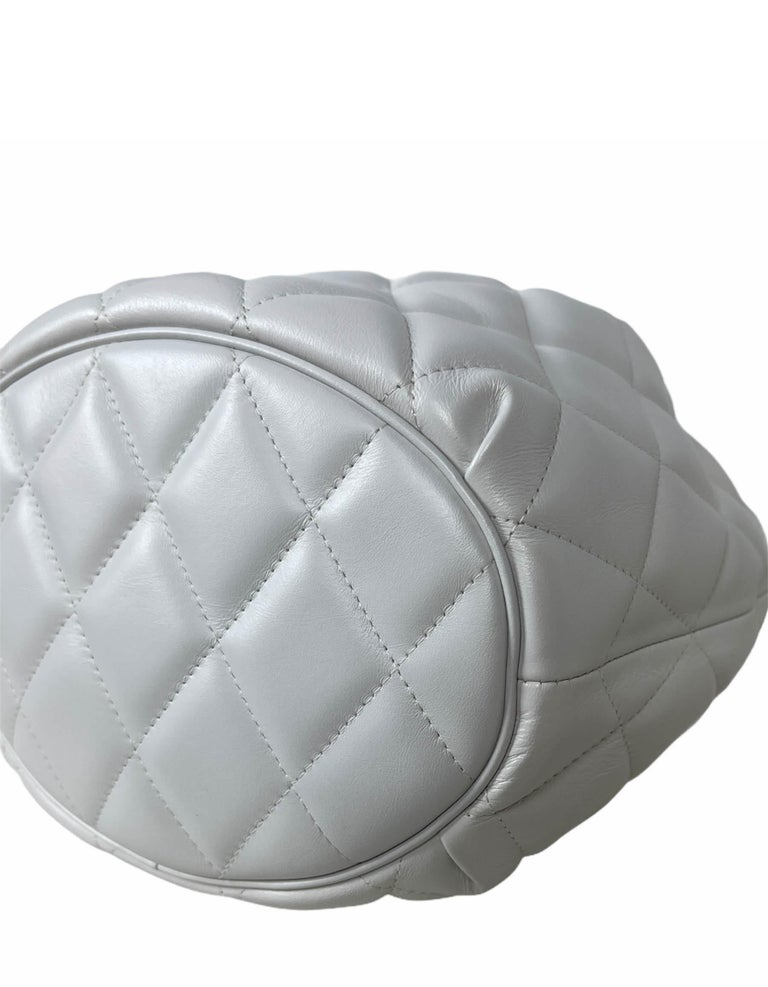 Balenciaga White Calfskin Leather B Dot Quilted Crossbody Bucket Bag For Sale 2
