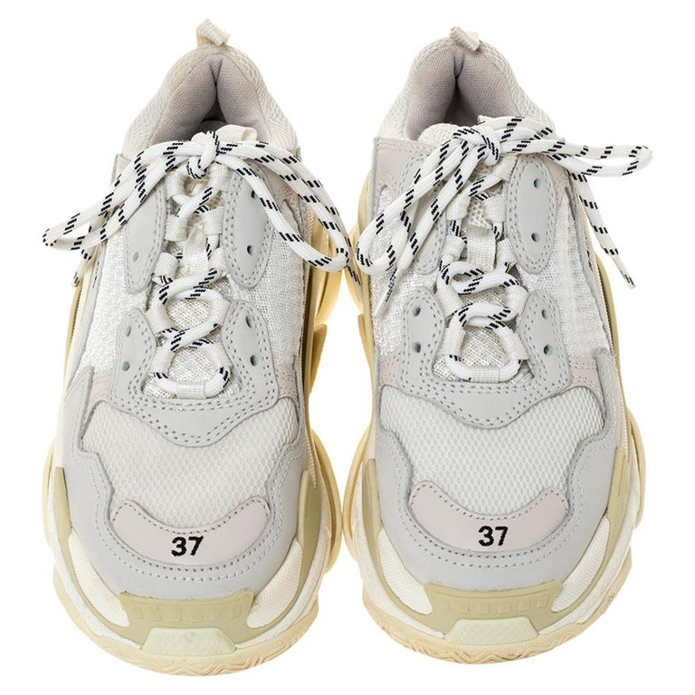 Balenciaga White Leather And Mesh Triple S Platform Sneakers Size 37 In Good Condition For Sale In Dubai, Al Qouz 2