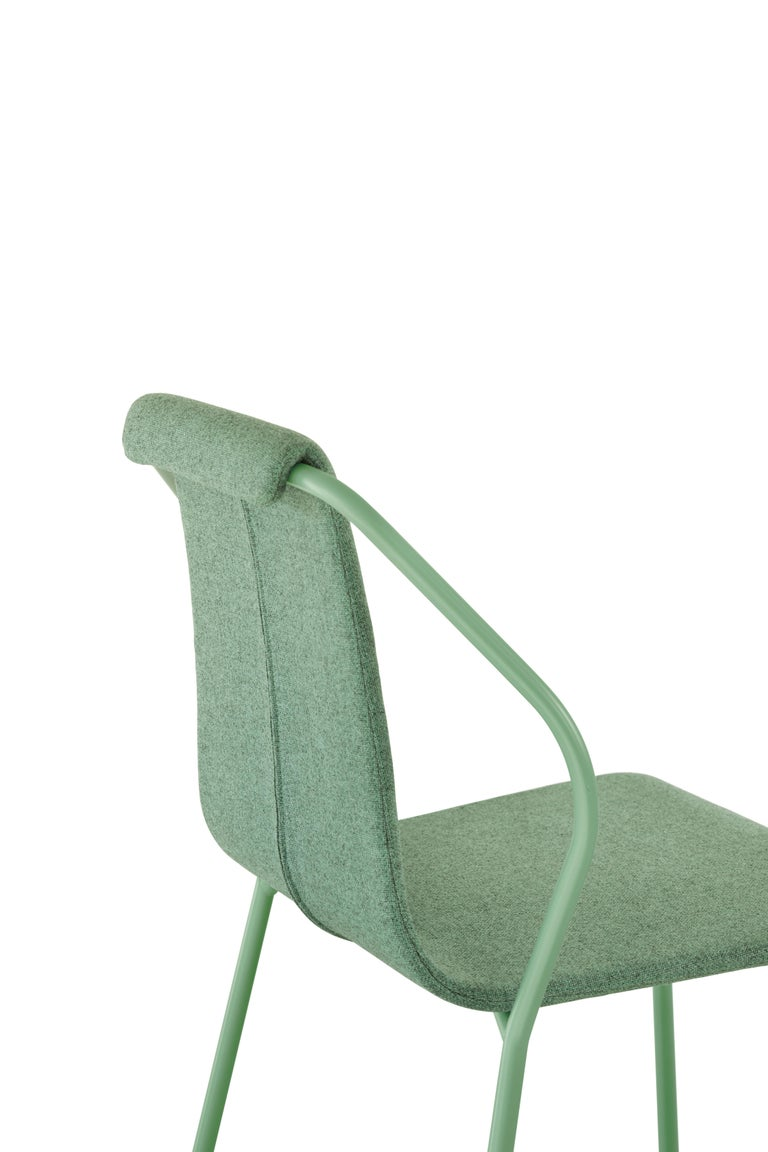 Chair in steel tubular frame, with seat and backrest in molded and perforated sheet metal painted to match the structure with epoxy powders in RAL 9005 matte (n), RAL 9010 (w), RAL 3031 (ror), RAL 9018 (gc) all semi-gloss suitable for outdoor use,