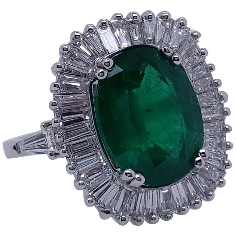 Ballerina Style 4.32 Carat Natural Emerald and Diamonds Engagement Ring For Sale