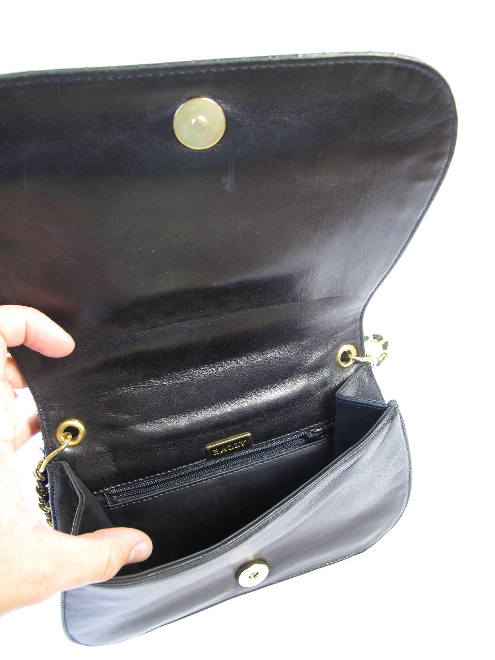 Bally Black Vernis Chain Strap Shoulder Bag DLNocaG2