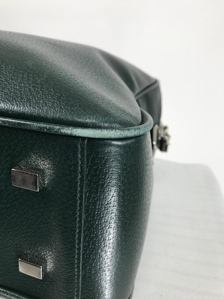 Bally Forest Green Pigskin Leather Carry On Business Bag Shoulder Strap In Good Condition For Sale In West Palm Beach, FL