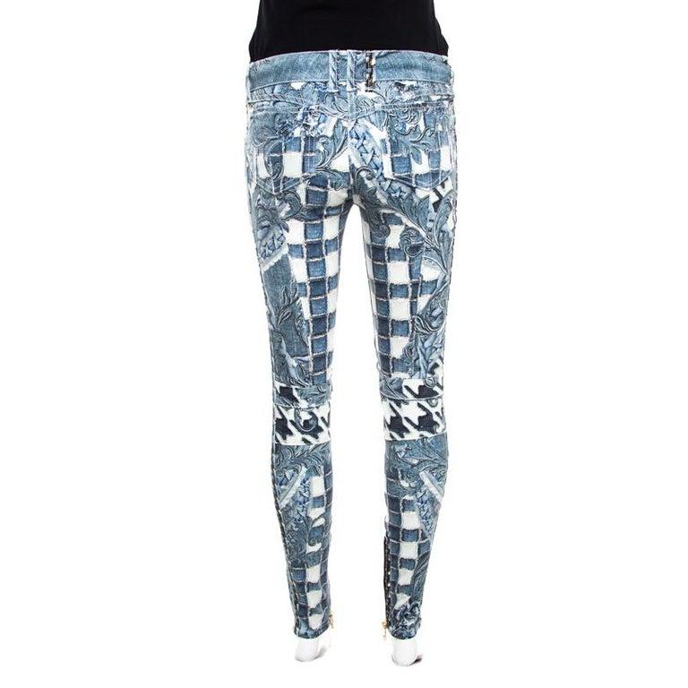 8e0554f4 Gray Balmain Indigo Light Washed Denim Baroque Printed Skinny Biker Jeans S  For Sale