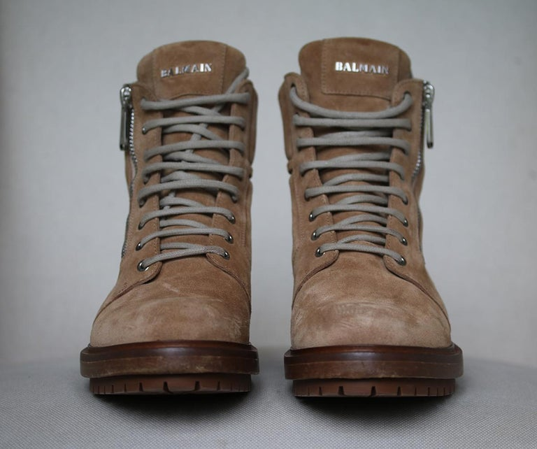 Balmain Ranger Suede Ankle Boots  In Excellent Condition For Sale In London, GB