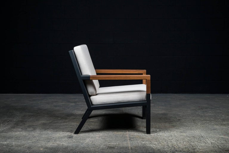 Baltimore Modern Armchair by Ambrozia, Walnut, Black Steel and Beige Upholstery In New Condition For Sale In Drummondville, Quebec